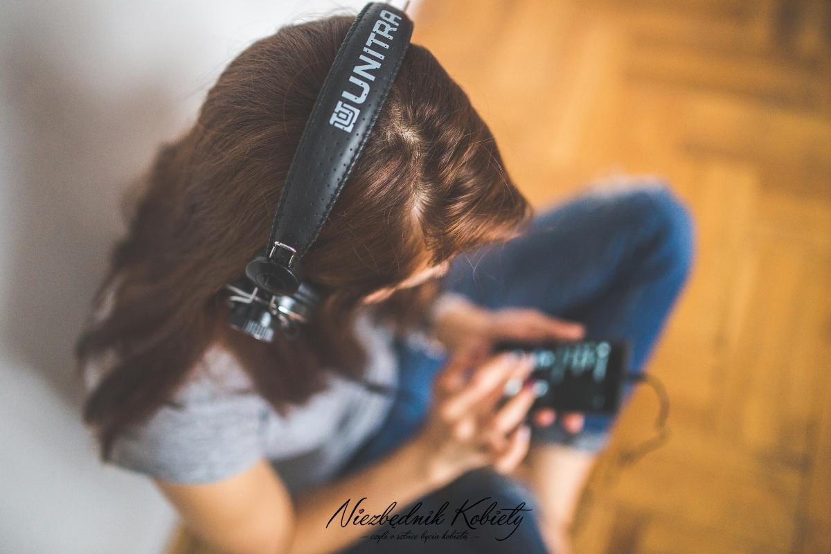10 piosenek, które mogą pomóc w walce z depresją